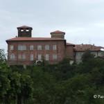 Il Castello Visconteo ritratto dalla valle, dove sorgeva la stazione ferroviaria della Ferrovia della Valmorea