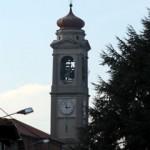 Il campanile nella sua interezza, visto da via Monte Grappa