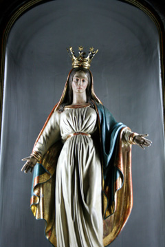 Splendida statua della Vergine Maria