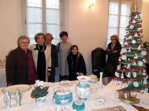 l'artista Liana Ubertalli con la famiglia e la Presidente Pro Loco Armida Macchi