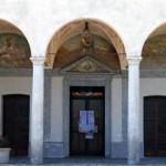 Il porticato a tre archi del Santuario