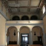 Panoramica interna verso la balconata, a fine navata