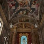 Veduta dell'altare e la cupola, straordinariamente affrescata