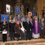 gli stendardi presenti alla cerimonia