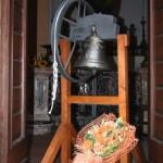 La campana del 1720, esposta dopo il restauro a cura della Pro Loco